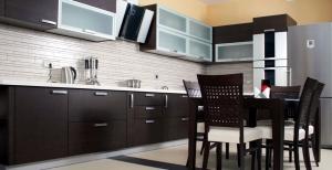 cozinha-madeira-escura-4-912x470